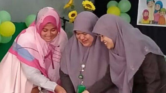 Momen-momen yang Mengesankan Pada HUT Guru ke 74 di KB, TK Islam PB Soedirman